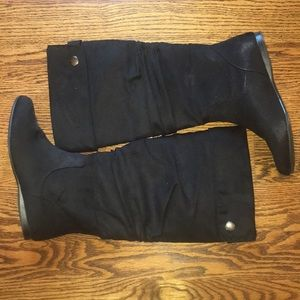 Tall knee boots in size 7 black suede